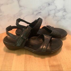 ECCO Black Leather Comfort Sandals